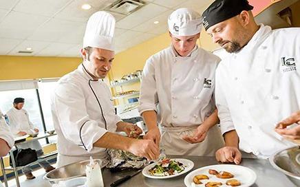 Aşçı - Aşçı Yardımcısı İş İlanı