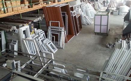 Tuzla İTOSB'daki Indoor Life Kapı fabrikamıza; Presci, Çakımcı, Kalfalar, Yardımcı Personel